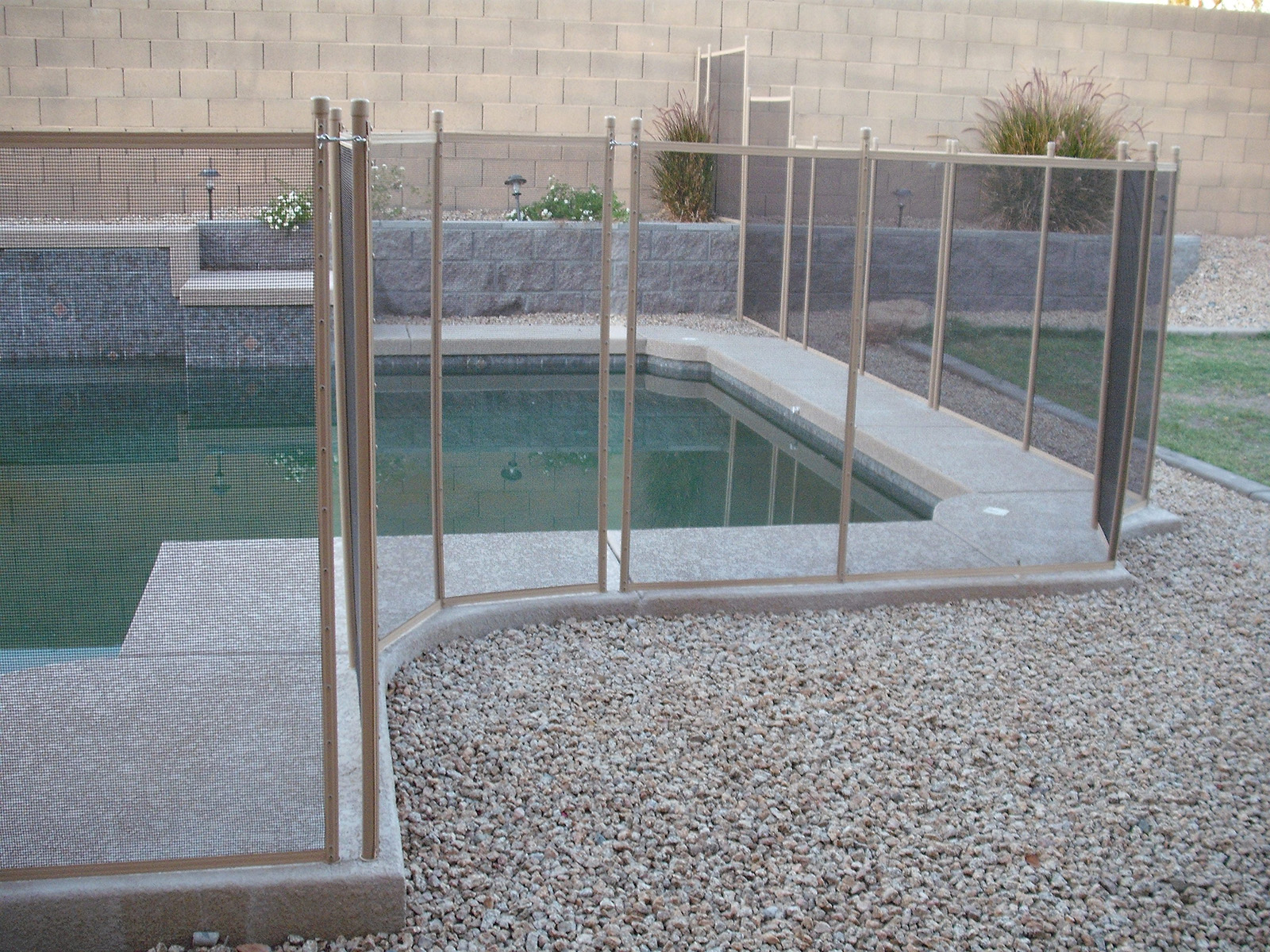 safety-fence-any-pool-configuration